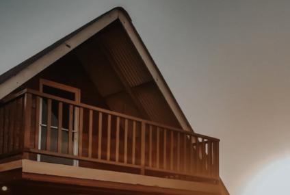 Spumă poliuretanică şi celelalte materiale propuse pentru izolarea locuinţelor – care este cea mai bună variantă?