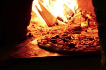 Ce trebuie să ştii înainte de a deschide o pizzerie? Ce profit îţi aduce şi ce paşi sunt necesari pentru a o deschide?