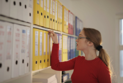 De ce este biblioraftul atât de important în organizarea biroului şi obţinerea unui spaţiu de lucru mai plăcut?